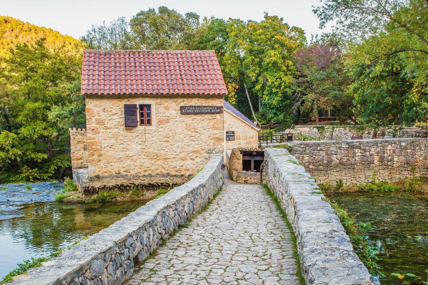 克罗地亚克尔卡国家公园(Krka National Park),小桥小路小房_图1-20