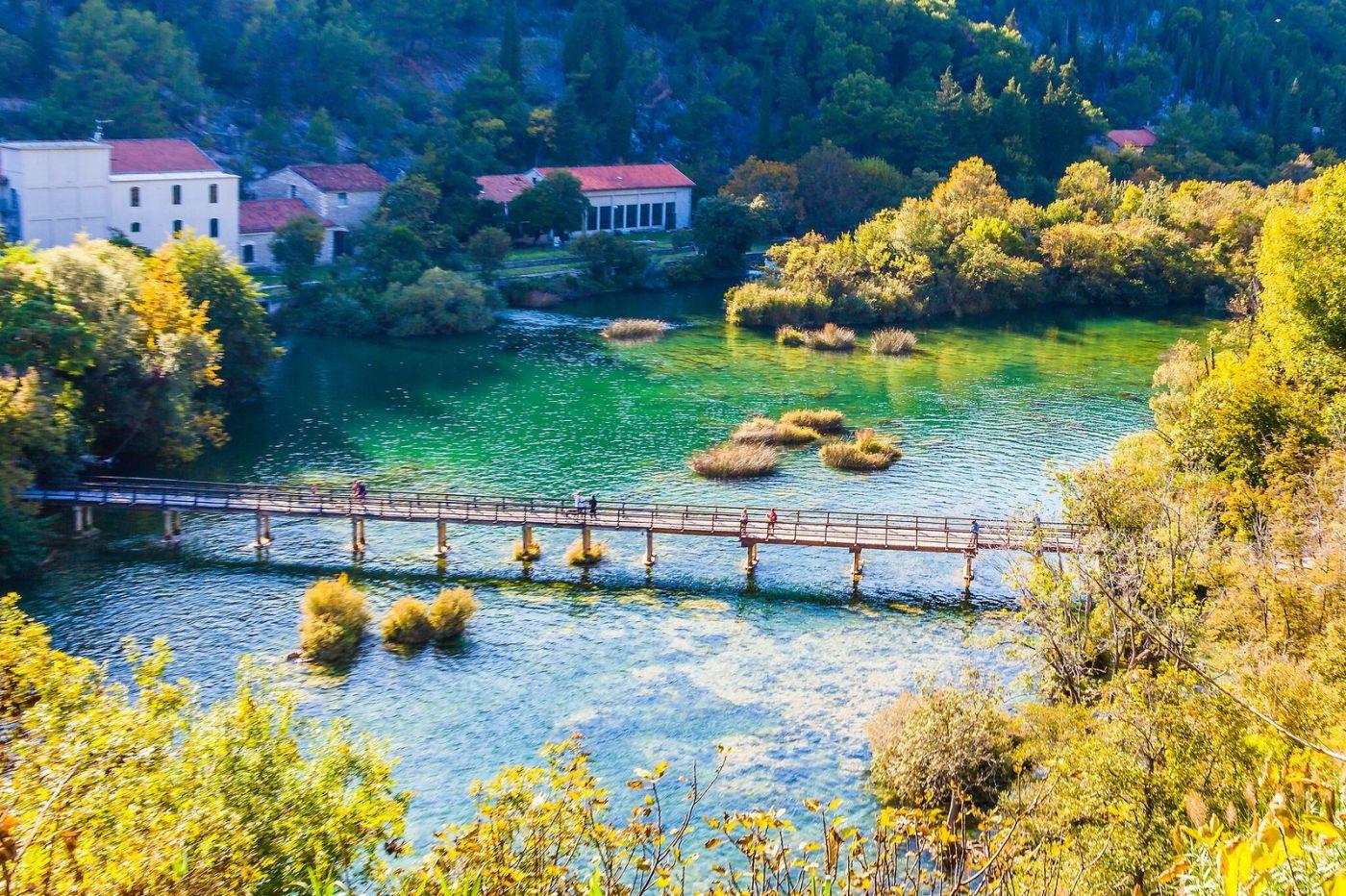 克罗地亚克尔卡国家公园(Krka National Park),小桥小路小房_图1-1