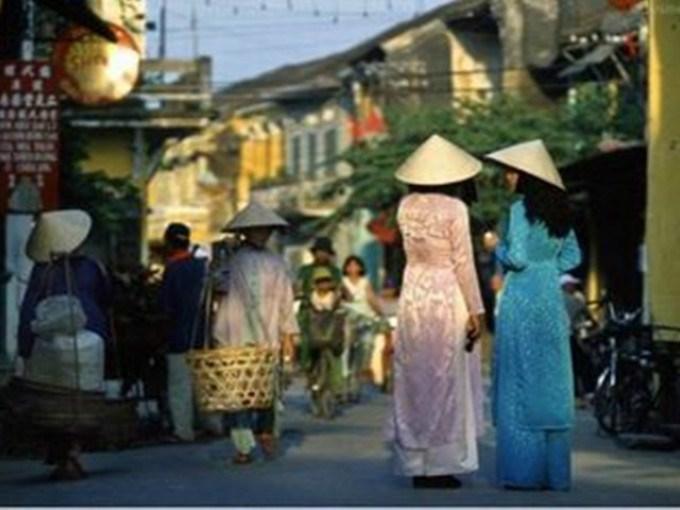 越南某古墓出土一道圣旨,写的全是汉字,越南专家请中国帮忙鉴定 ..._图1-1