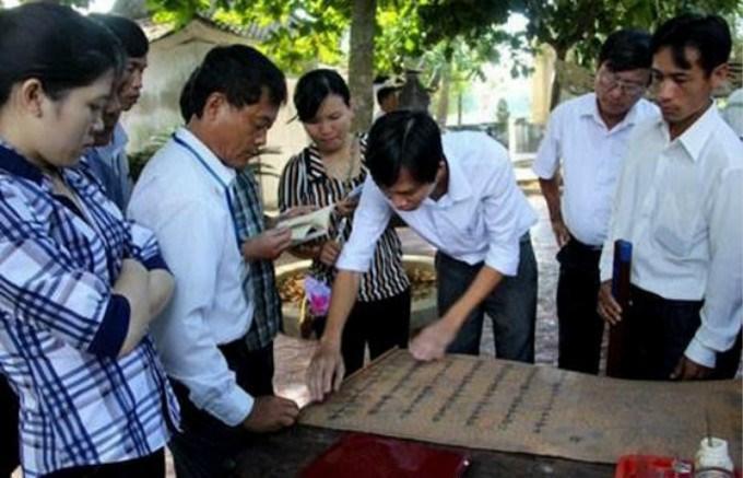越南某古墓出土一道圣旨,写的全是汉字,越南专家请中国帮忙鉴定 ..._图1-5