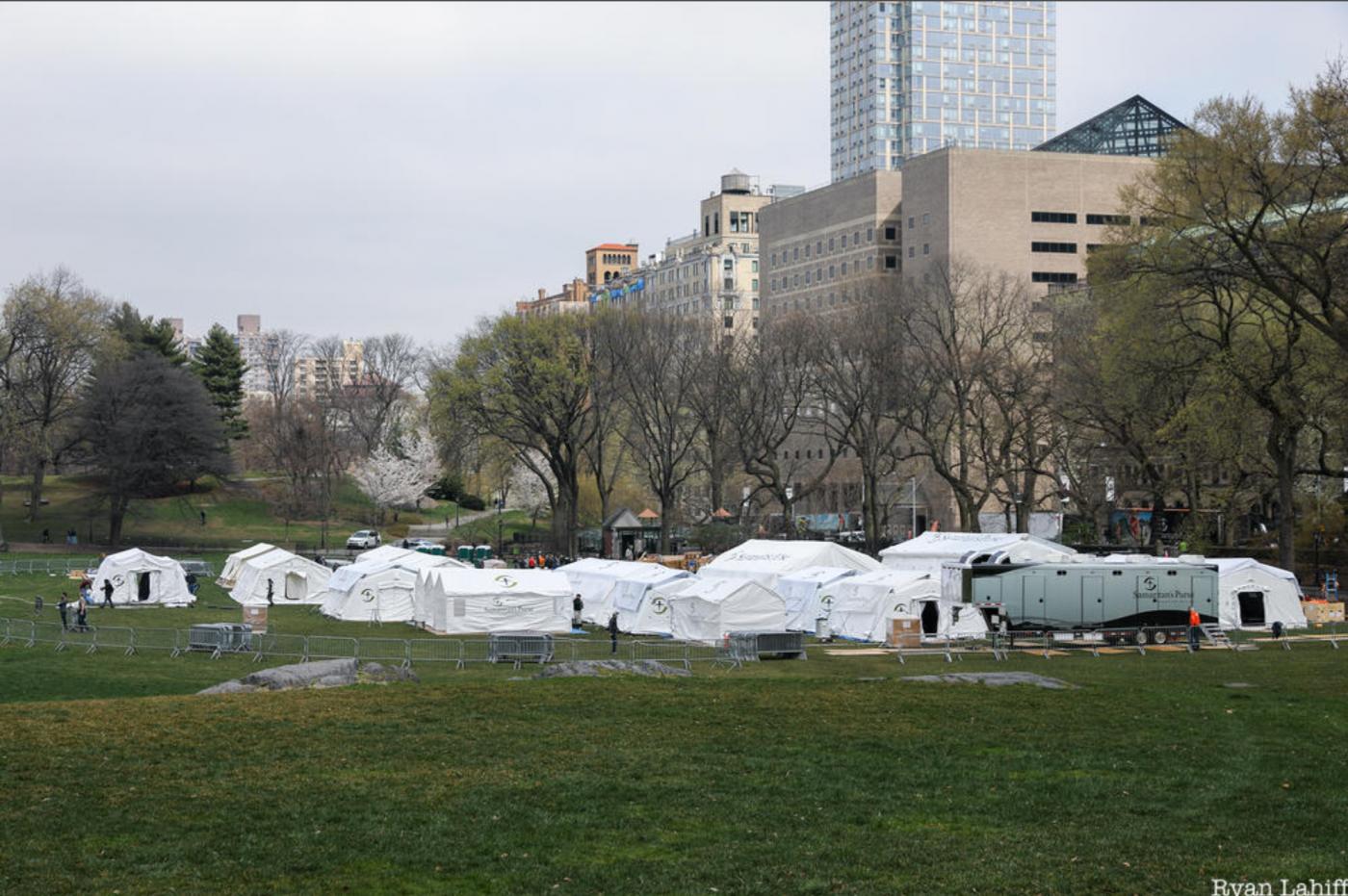 纽约中央公园内2天建成的方舱医院_图1-9