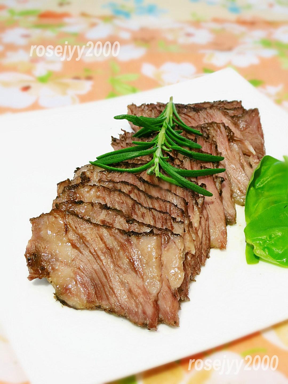 香草烤牛肉_图1-3
