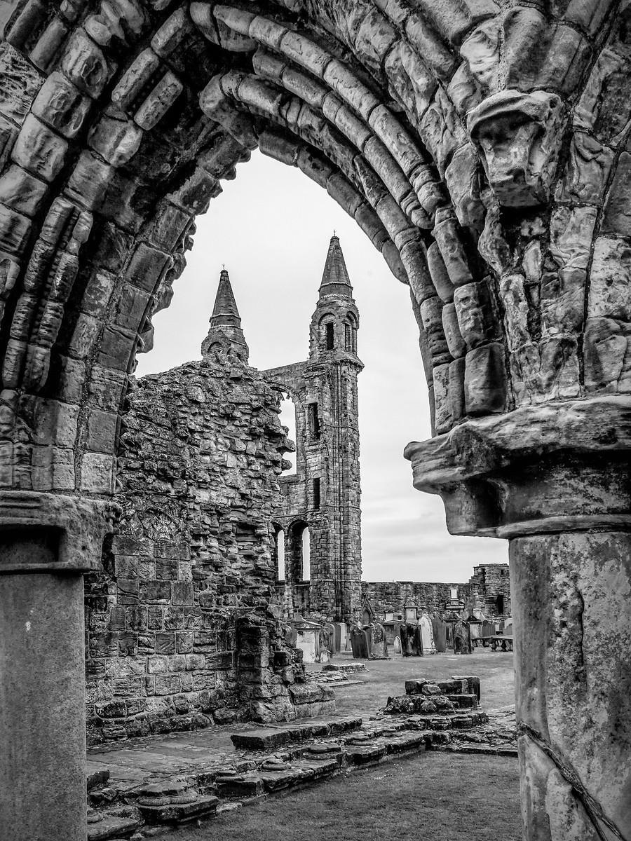 苏格兰圣安德鲁主教座堂(Cathedral of St Andrew)遗迹,九百年历史 ..._图1-1