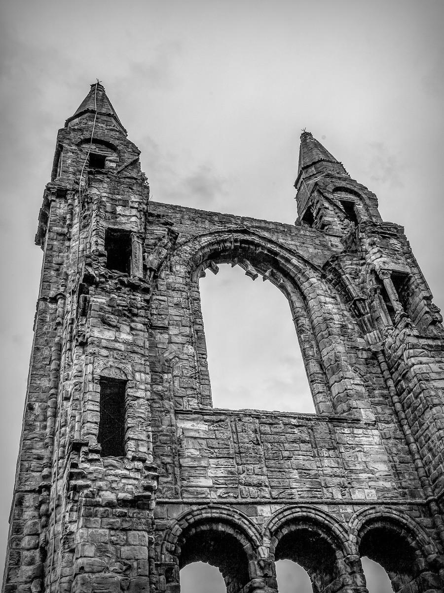 苏格兰圣安德鲁主教座堂(Cathedral of St Andrew)遗迹,九百年历史 ..._图1-2
