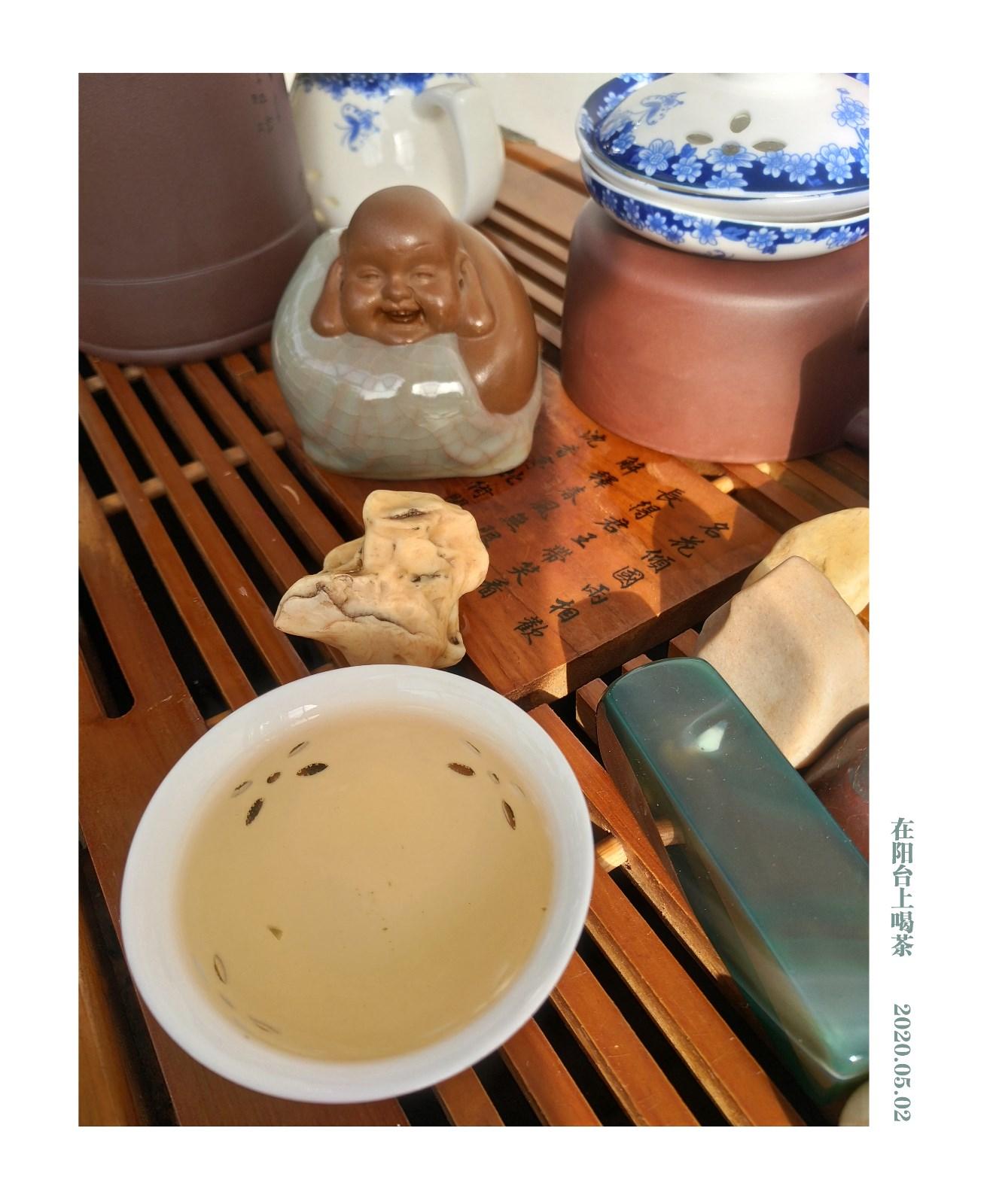 在阳台上喝早茶_图1-2
