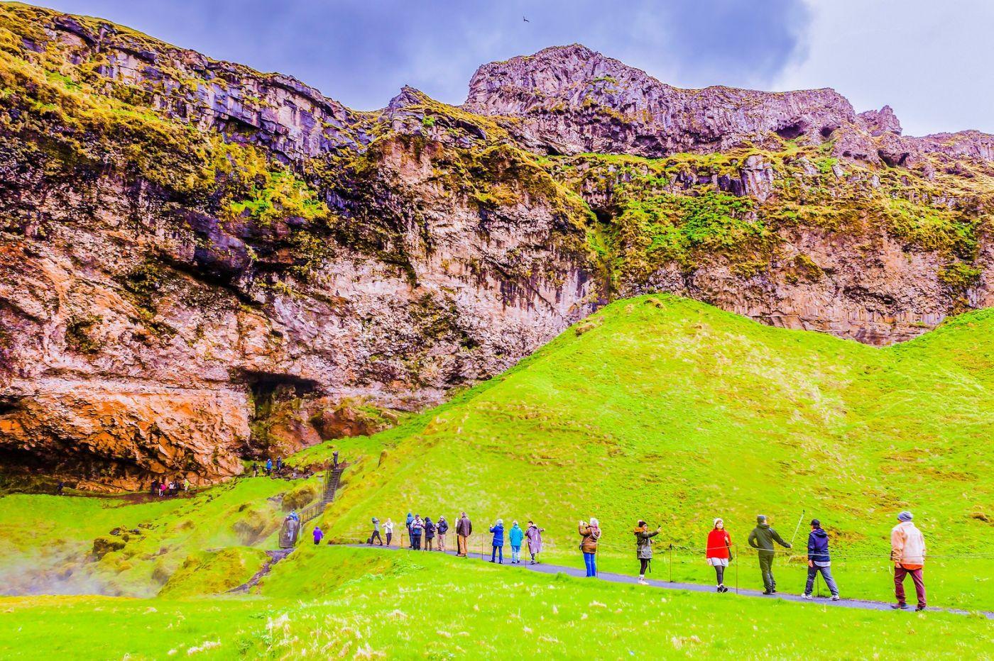 冰岛塞里雅兰瀑布(Seljalandsfoss),飞流直下_图1-14