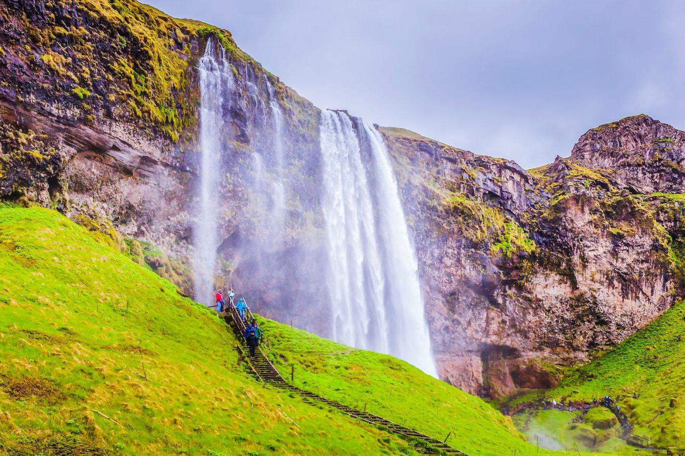 冰岛塞里雅兰瀑布(Seljalandsfoss),飞流直下_图1-9