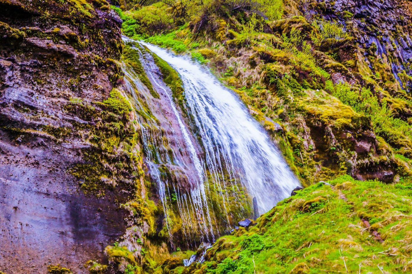 冰岛塞里雅兰瀑布(Seljalandsfoss),飞流直下_图1-12