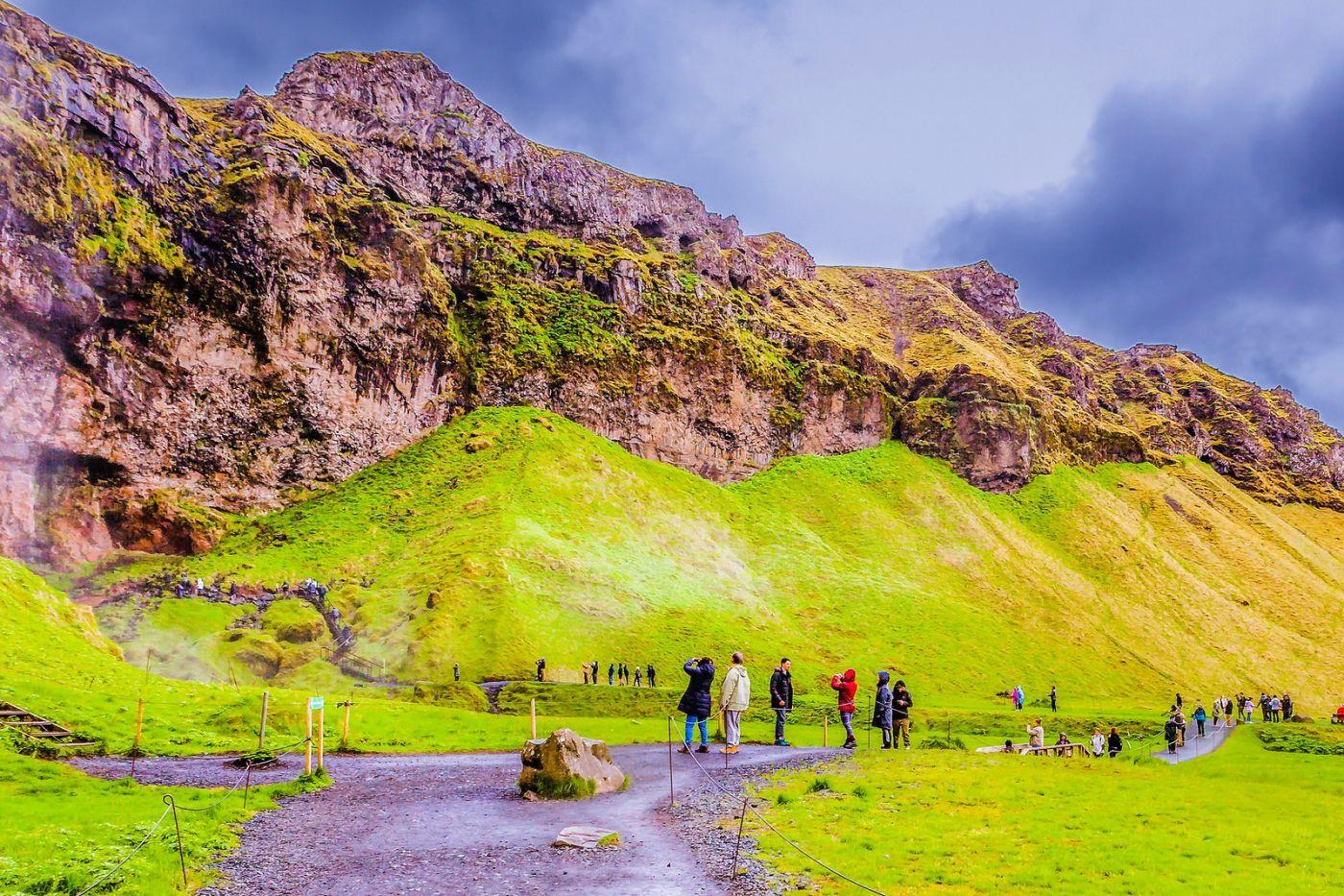 冰岛塞里雅兰瀑布(Seljalandsfoss),飞流直下_图1-8