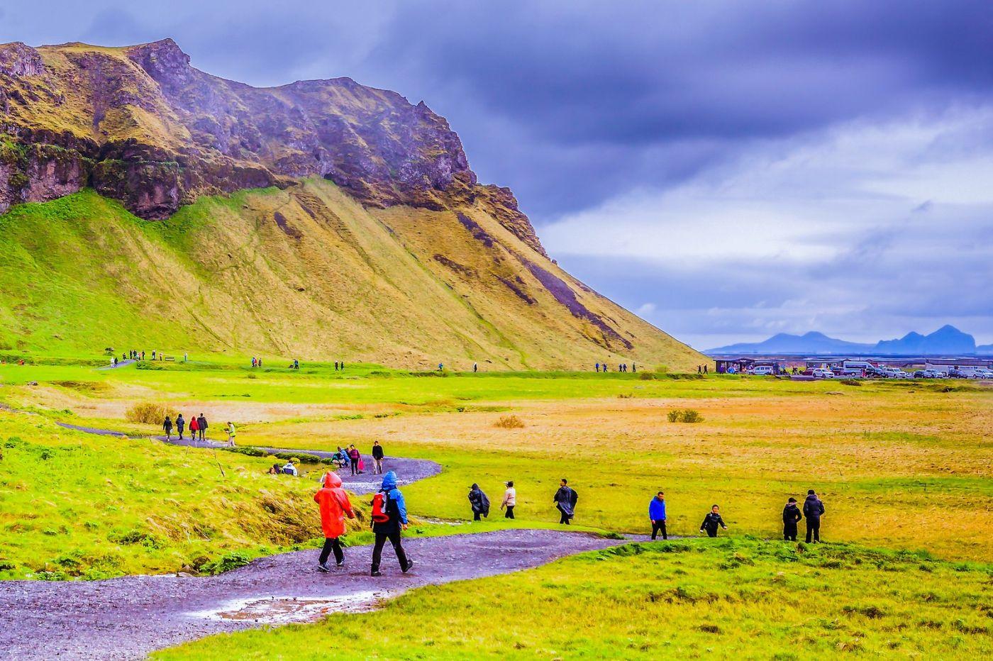 冰岛塞里雅兰瀑布(Seljalandsfoss),飞流直下_图1-5