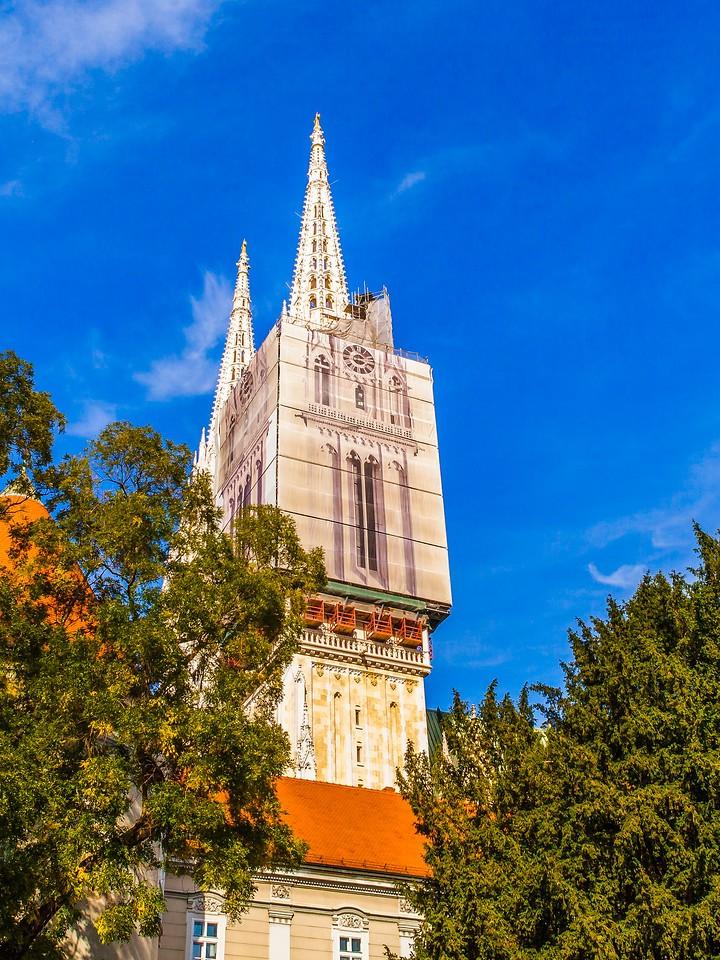 克罗地亚首都萨格勒布(Zagreb),顶的艺术_图1-1