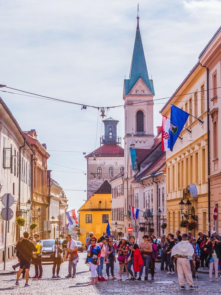 克罗地亚首都萨格勒布(Zagreb),顶的艺术_图1-5