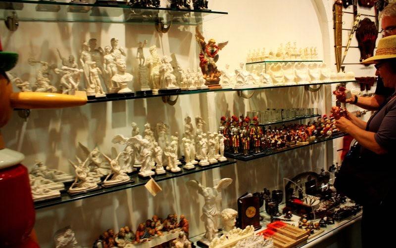 罗马的纪念品商店_图1-5
