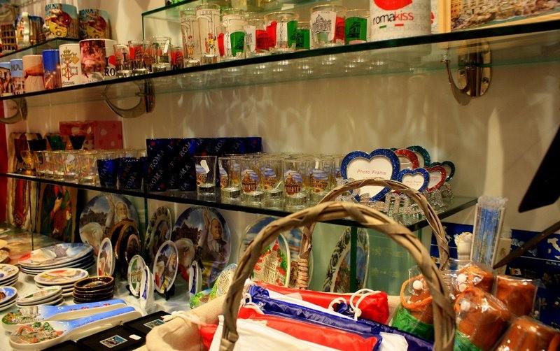 罗马的纪念品商店_图1-6