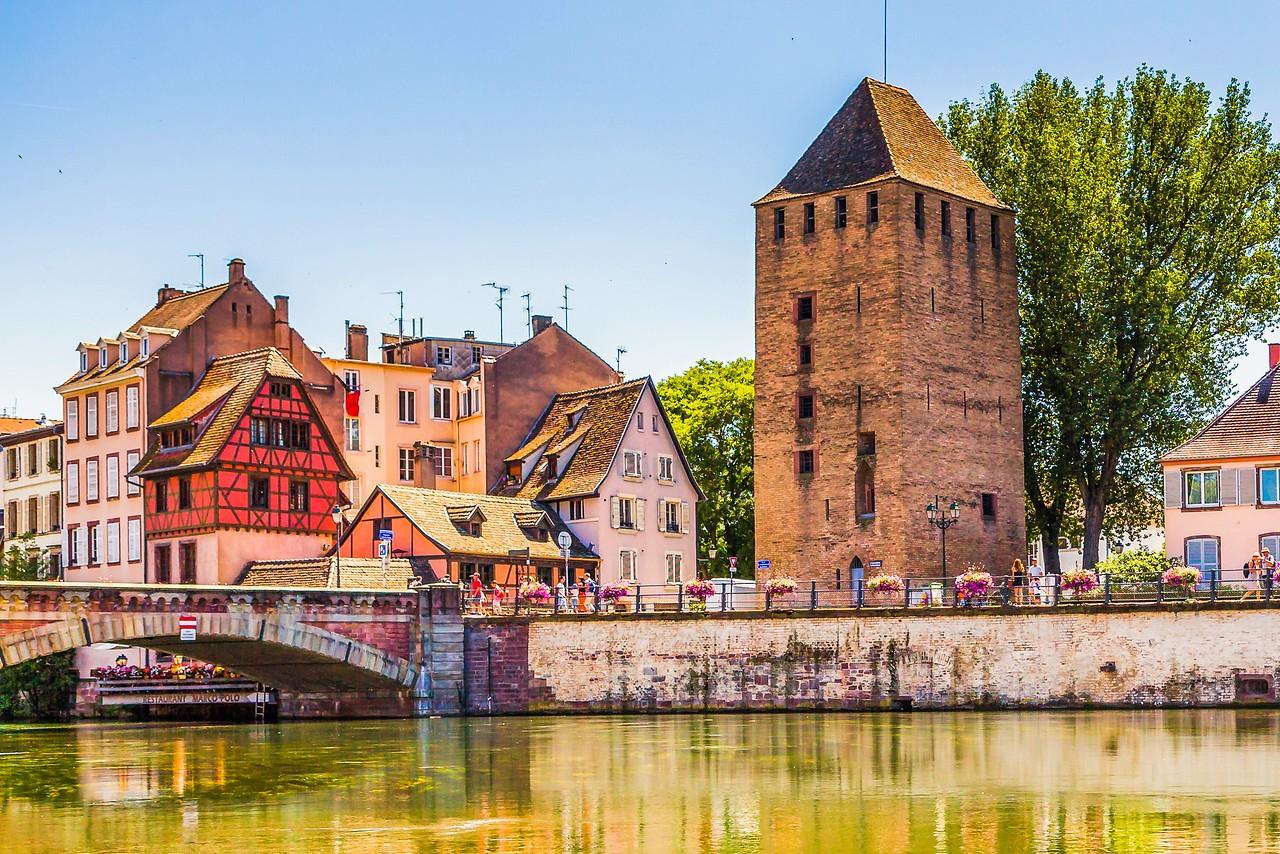 法国斯特拉斯堡(Strasbourg),河边市容_图1-13