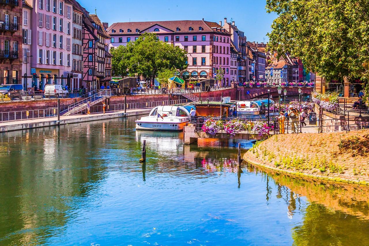 法国斯特拉斯堡(Strasbourg),河边市容_图1-15