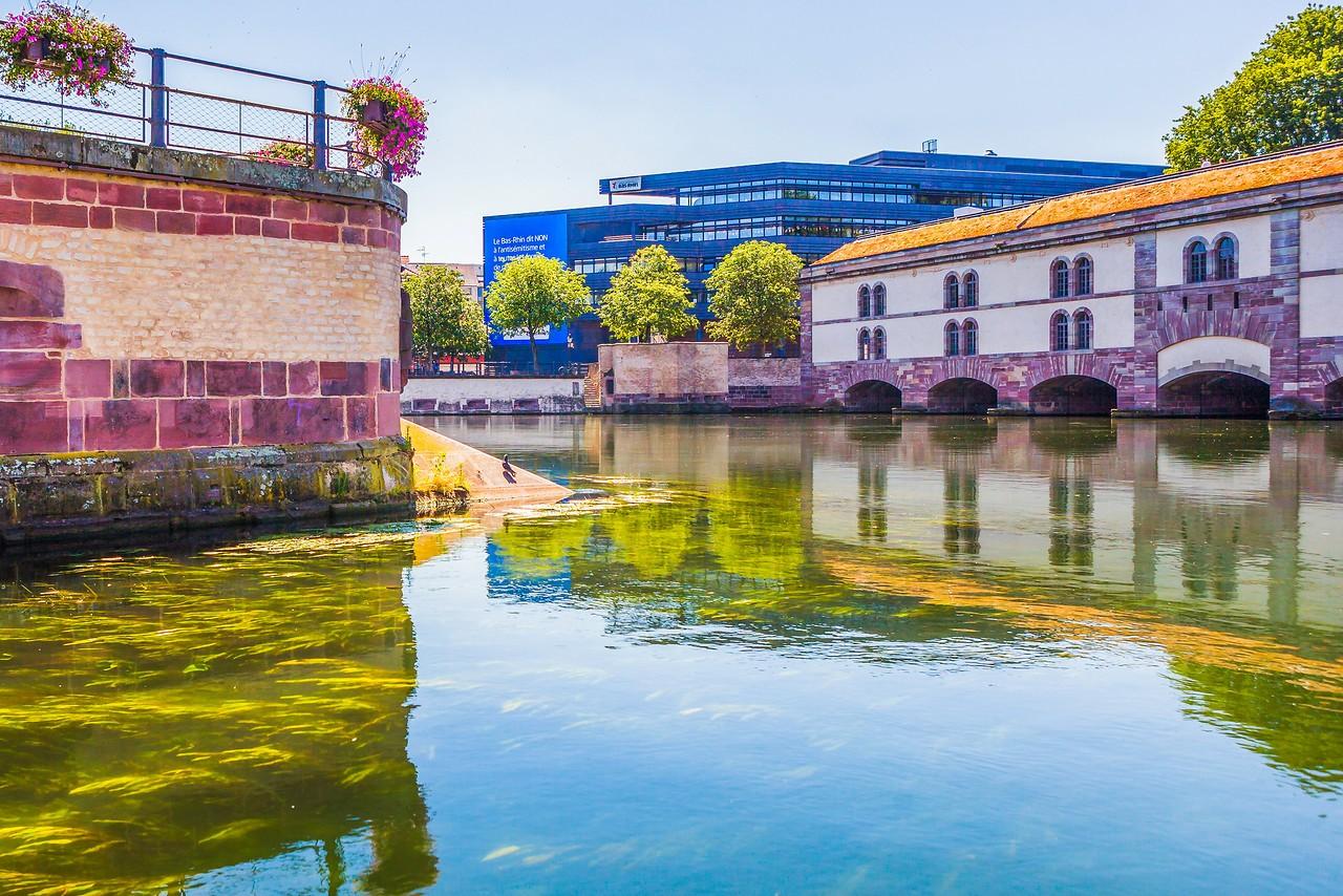 法国斯特拉斯堡(Strasbourg),河边市容_图1-16