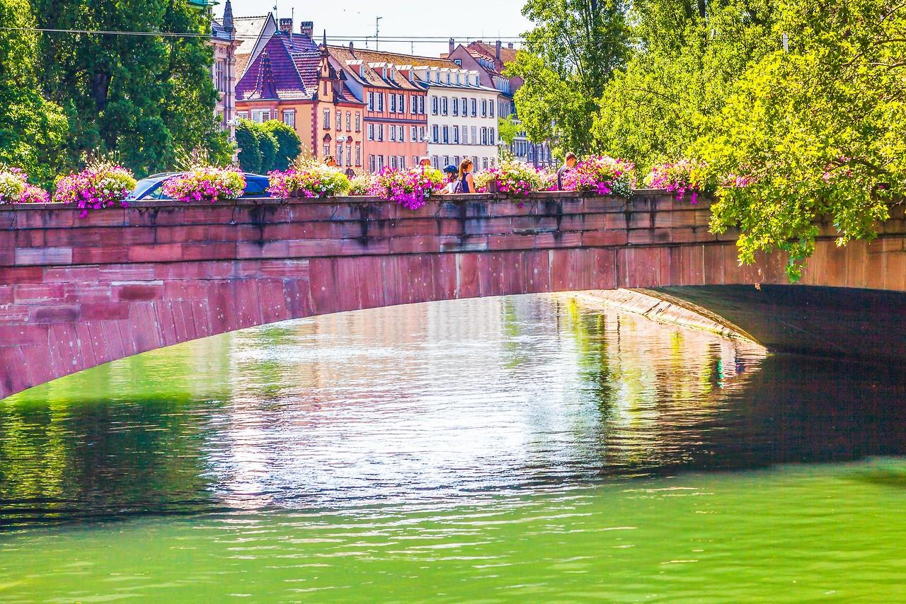 法国斯特拉斯堡(Strasbourg),河边市容_图1-12