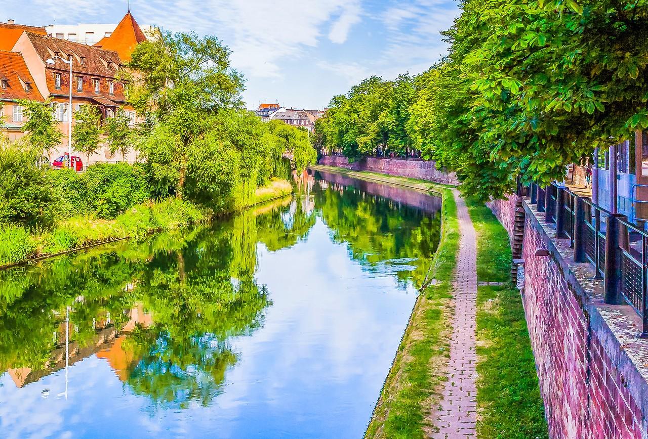 法国斯特拉斯堡(Strasbourg),河边市容_图1-5