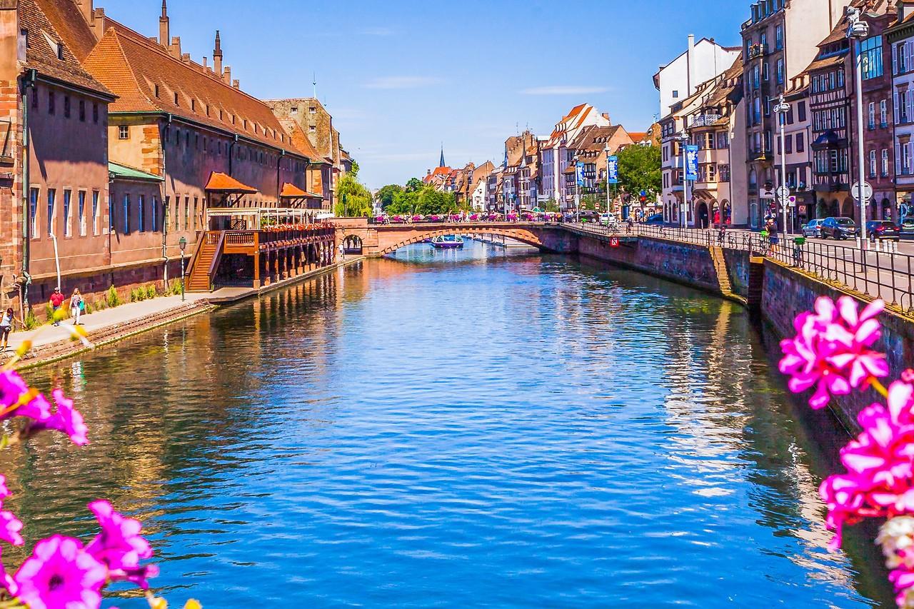 法国斯特拉斯堡(Strasbourg),河边市容_图1-6