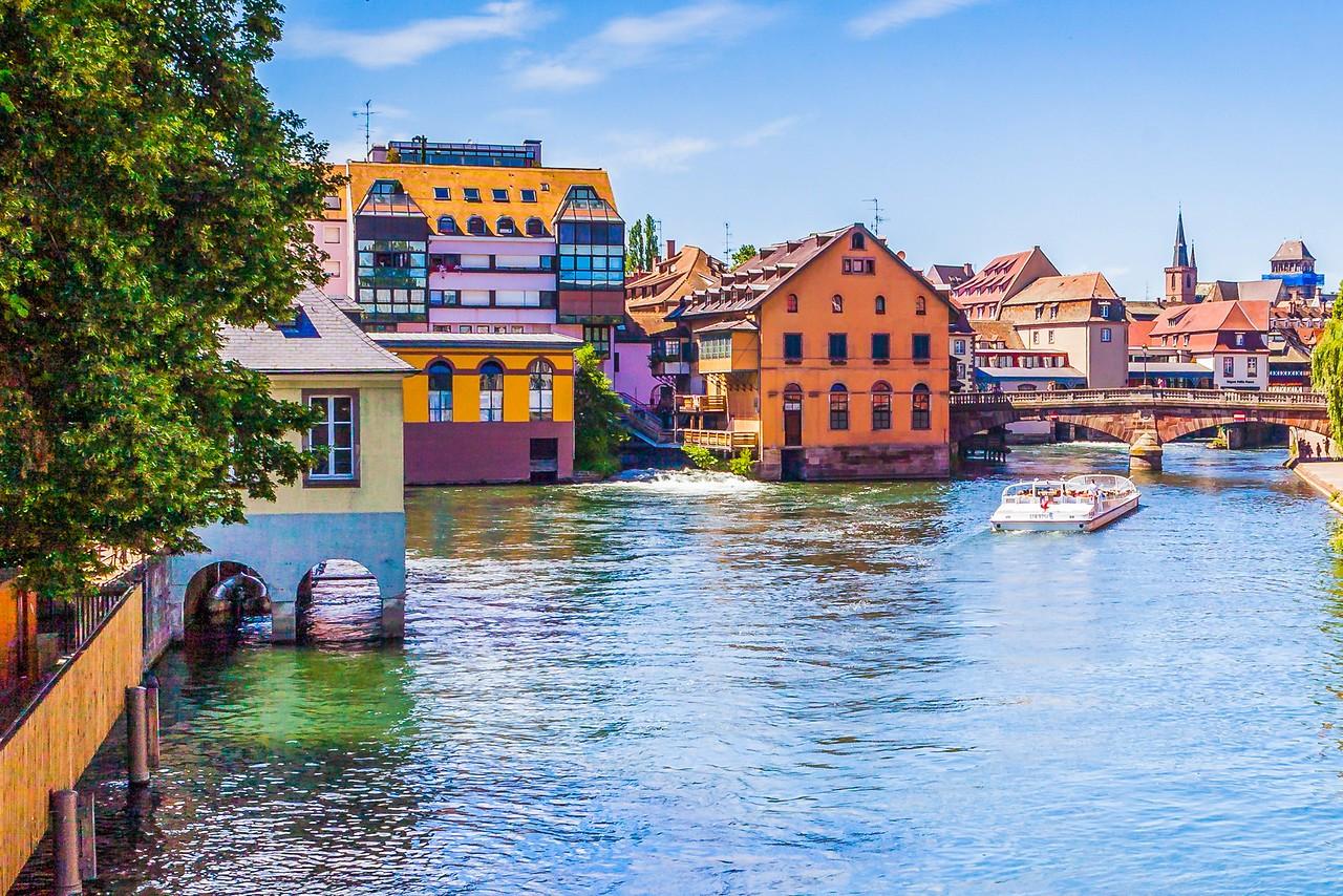 法国斯特拉斯堡(Strasbourg),河边市容_图1-8