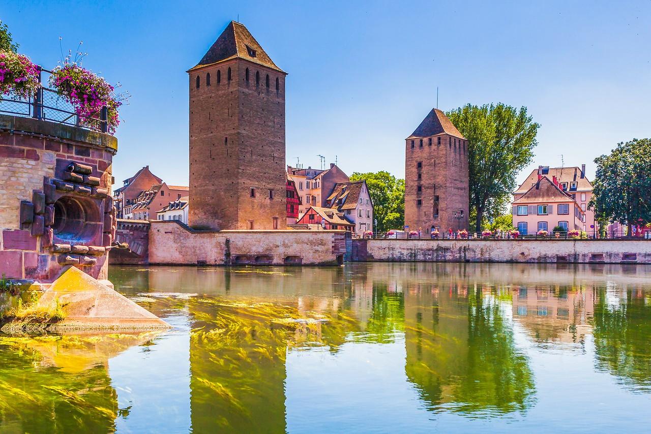 法国斯特拉斯堡(Strasbourg),河边市容_图1-1