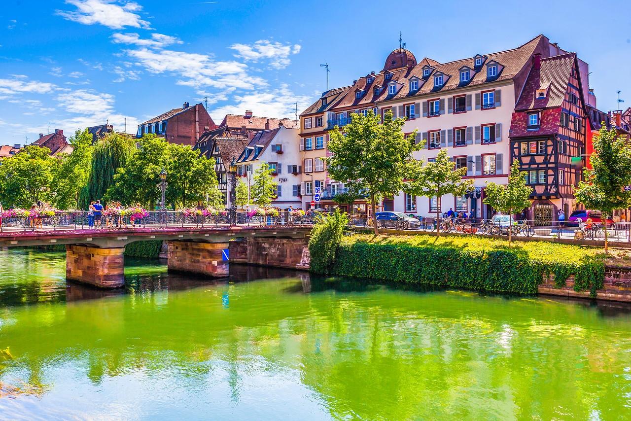 法国斯特拉斯堡(Strasbourg),河边市容_图1-17