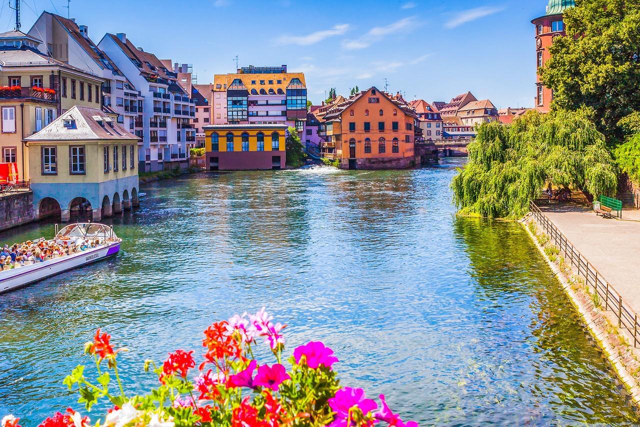 法国斯特拉斯堡(Strasbourg),河边市容_图1-19
