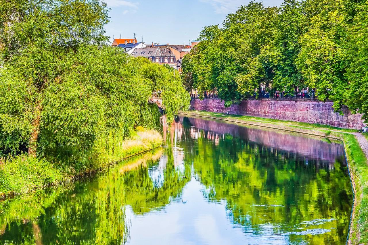 法国斯特拉斯堡(Strasbourg),河边市容_图1-24