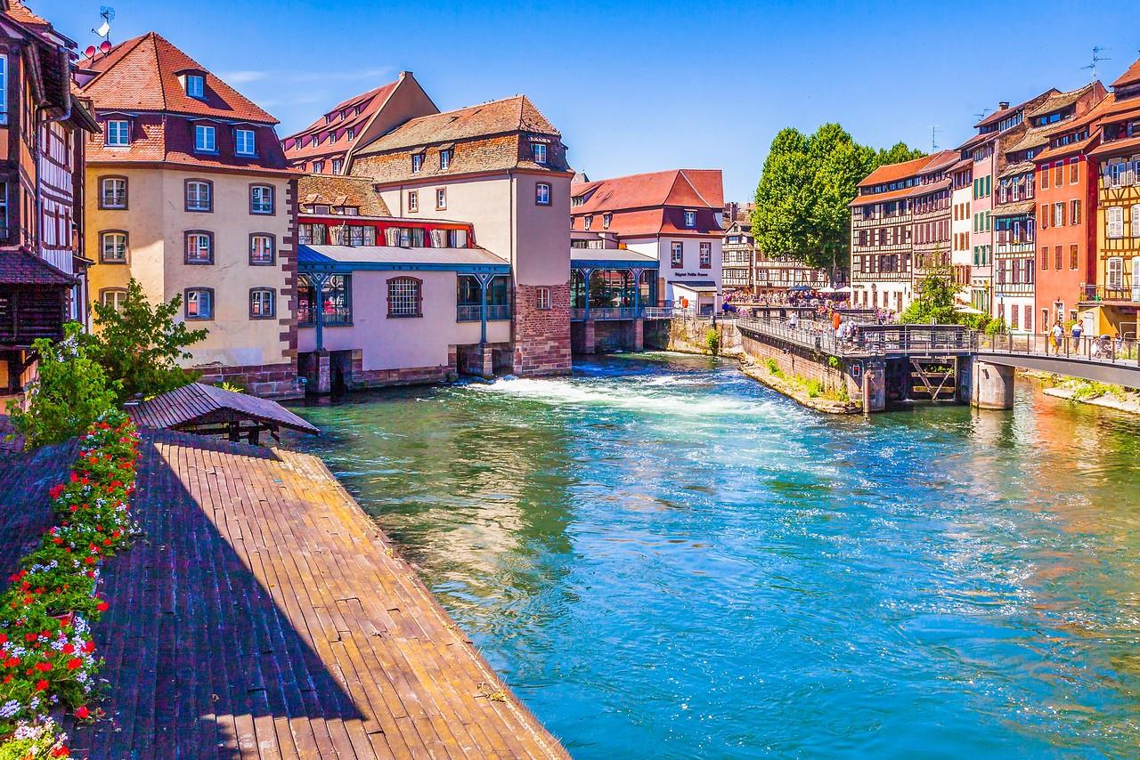 法国斯特拉斯堡(Strasbourg),河边市容_图1-26
