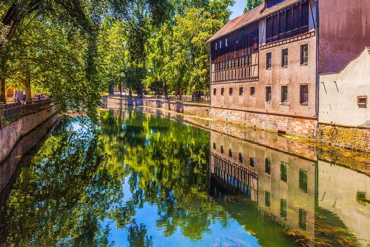 法国斯特拉斯堡(Strasbourg),河边市容_图1-29