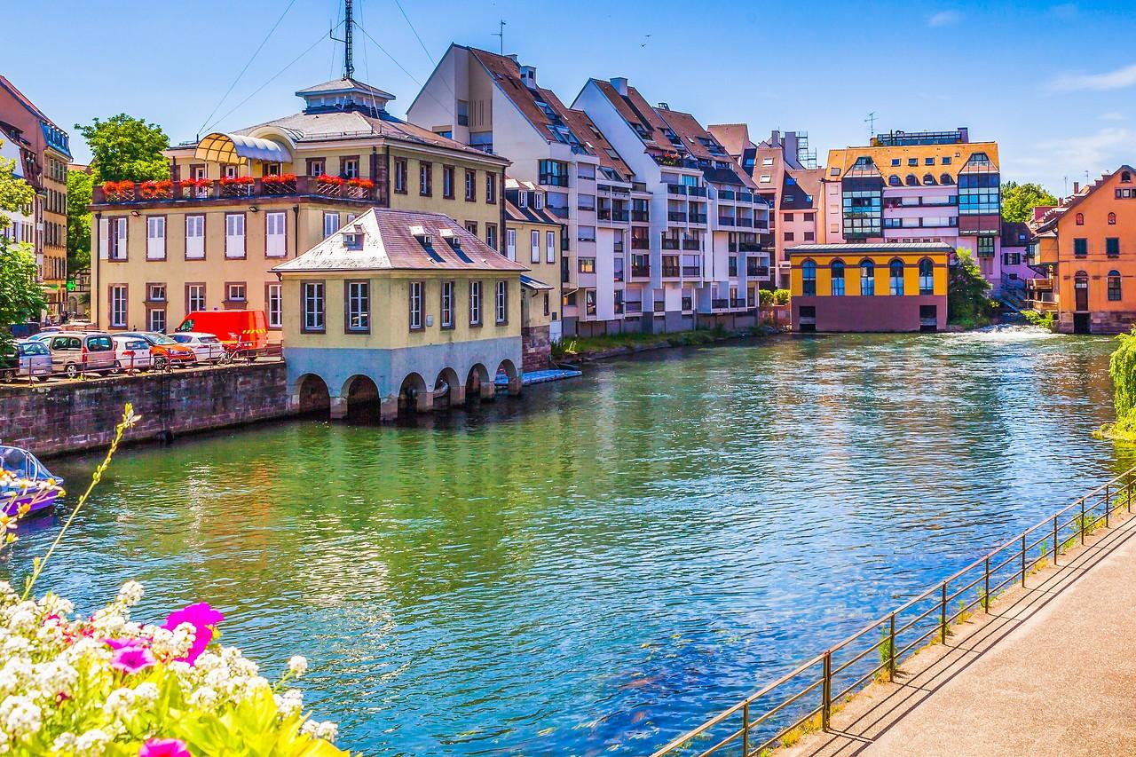 法国斯特拉斯堡(Strasbourg),河边市容_图1-30