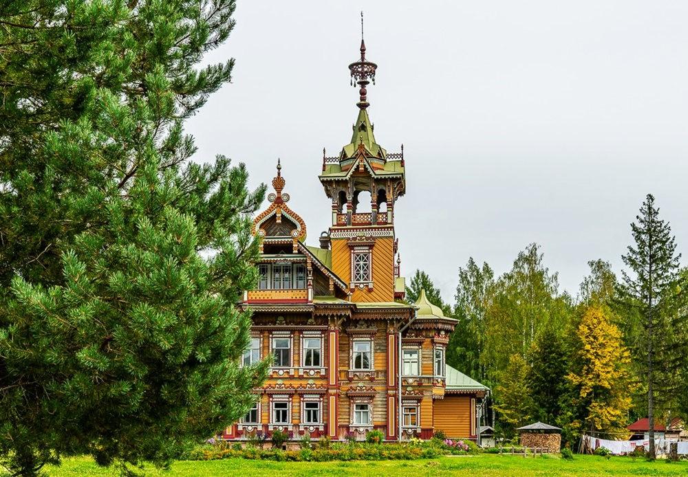 阿斯塔霍沃宫--俄罗斯最美的木制房屋_图1-1