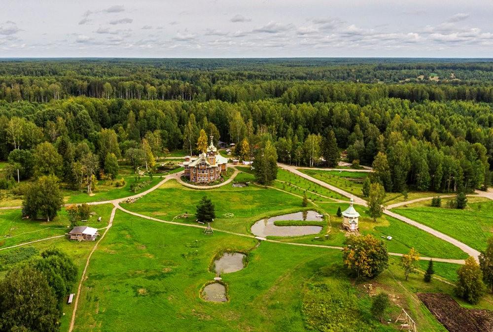 阿斯塔霍沃宫--俄罗斯最美的木制房屋_图1-2