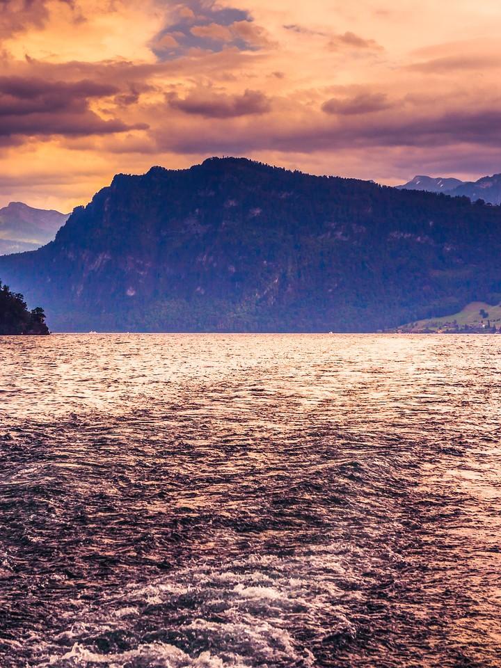 瑞士卢塞恩(Lucerne),浓浓的云彩_图1-31