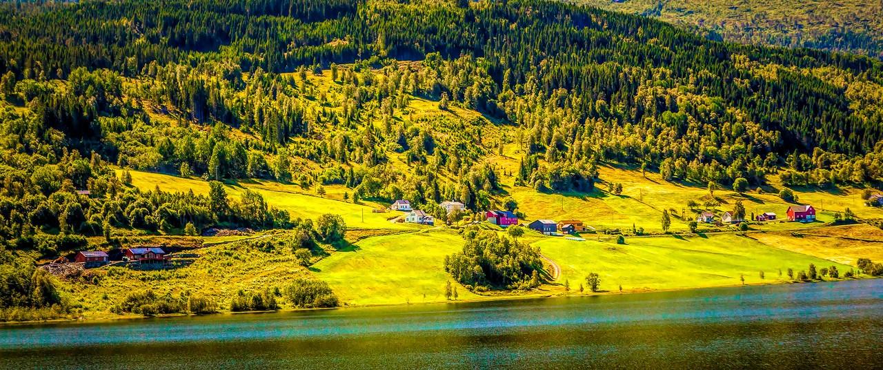 北欧风光,山坡上的家园_图1-26