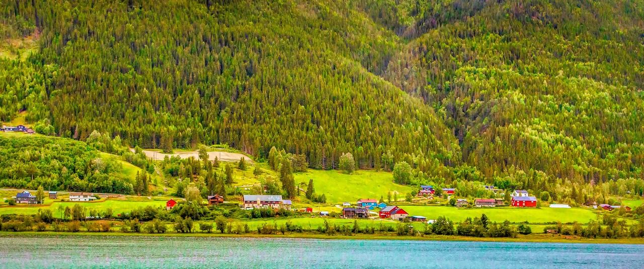 北欧风光,山坡上的家园_图1-23