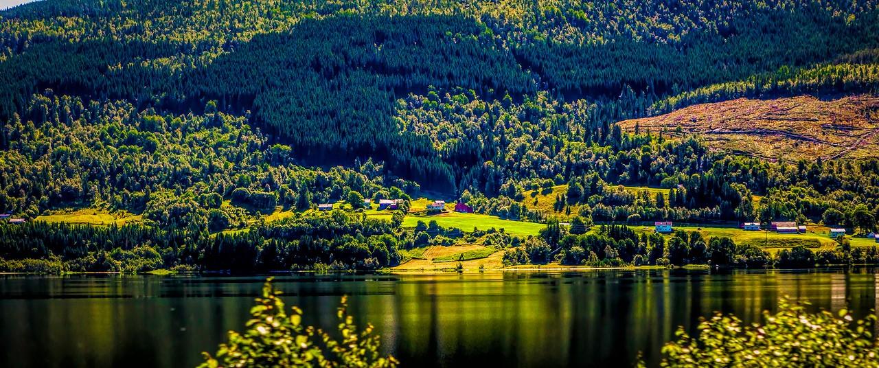 北欧风光,山坡上的家园_图1-22