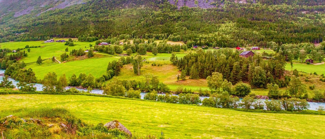 北欧风光,山坡上的家园_图1-15