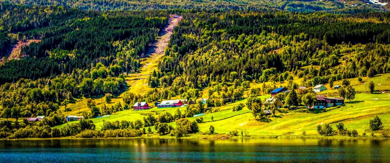 北欧风光,山坡上的家园_图1-3