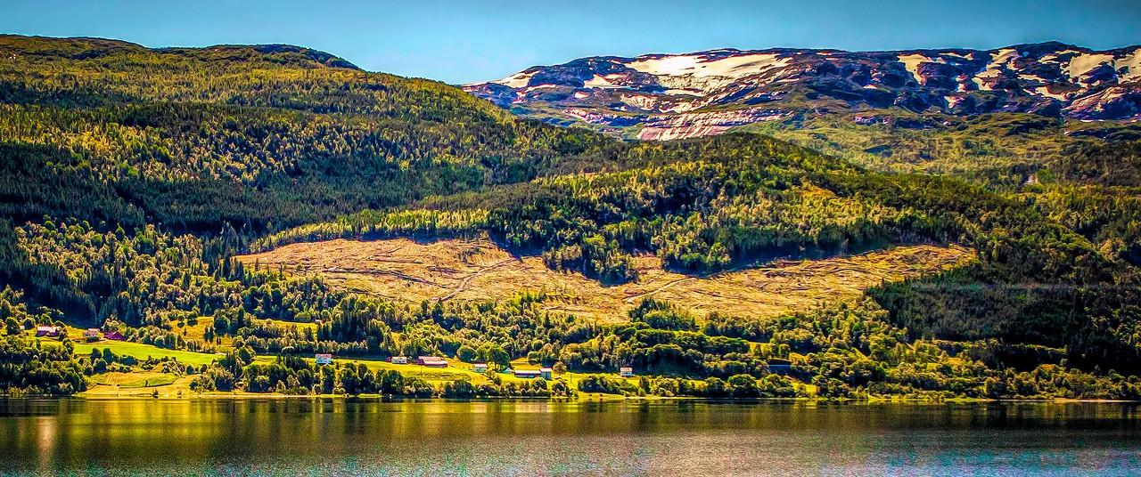 北欧风光,山坡上的家园_图1-4