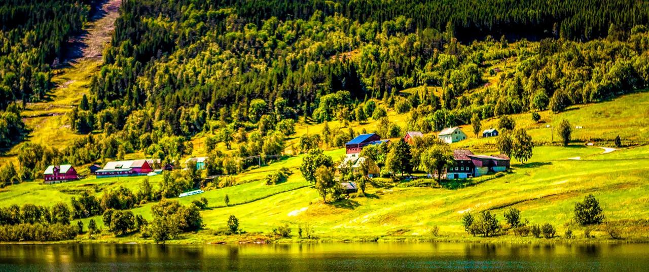 北欧风光,山坡上的家园_图1-7
