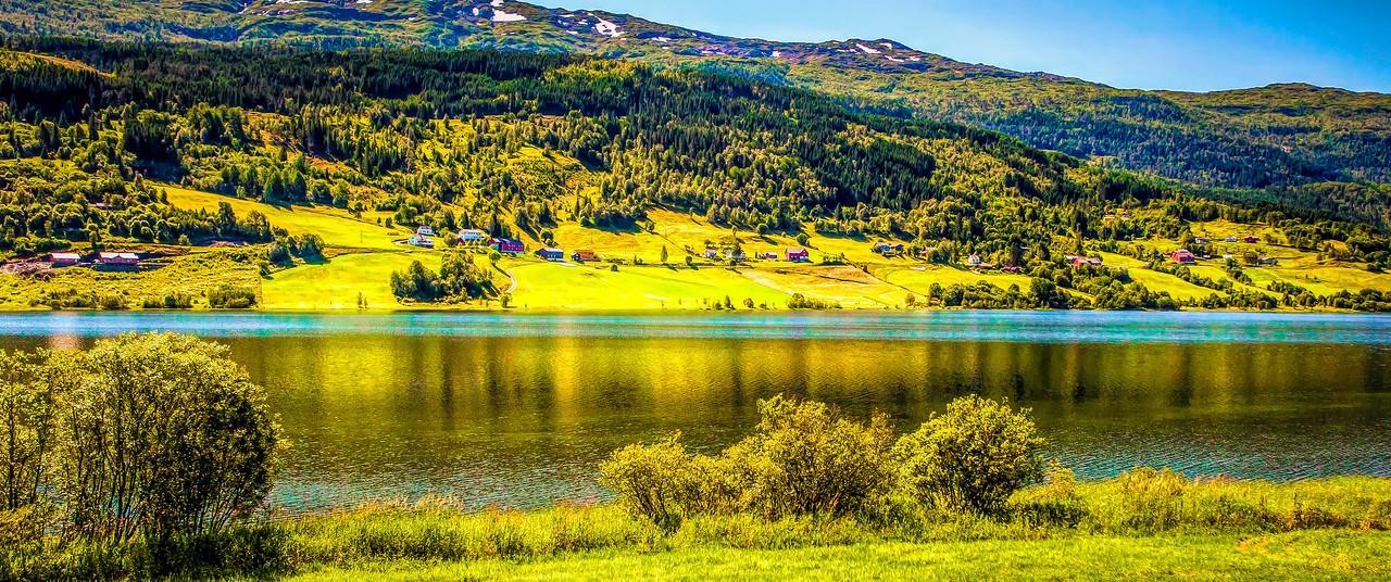 北欧风光,山坡上的家园_图1-11