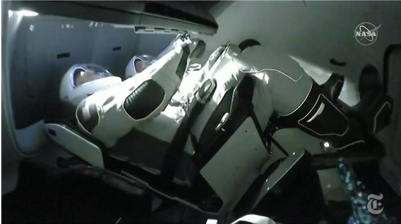 SpaceX太空船与空间站对接成功_图1-6