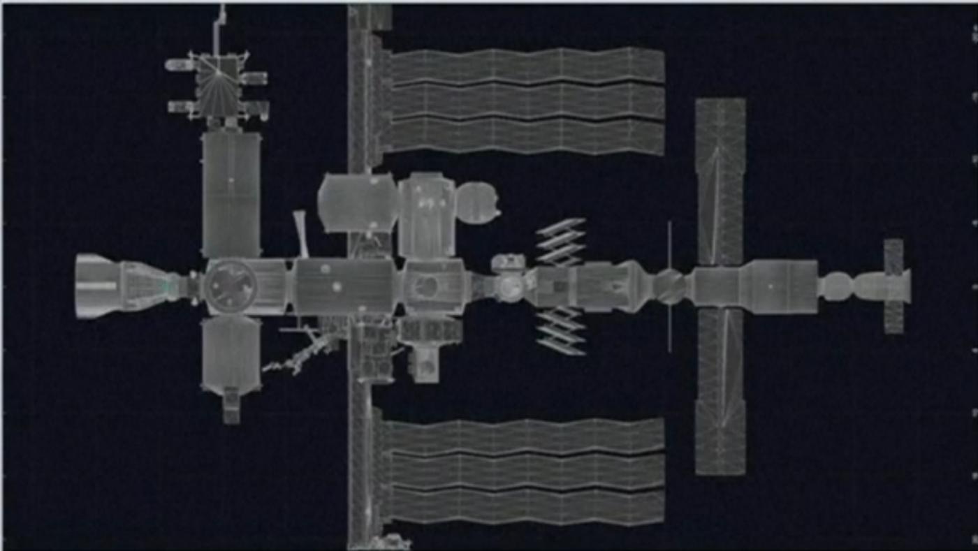 SpaceX太空船与空间站对接成功_图1-9