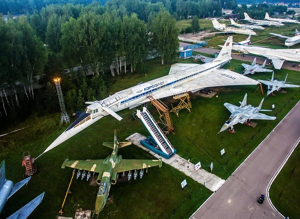 莫尼诺中央空军博物馆_图1-3
