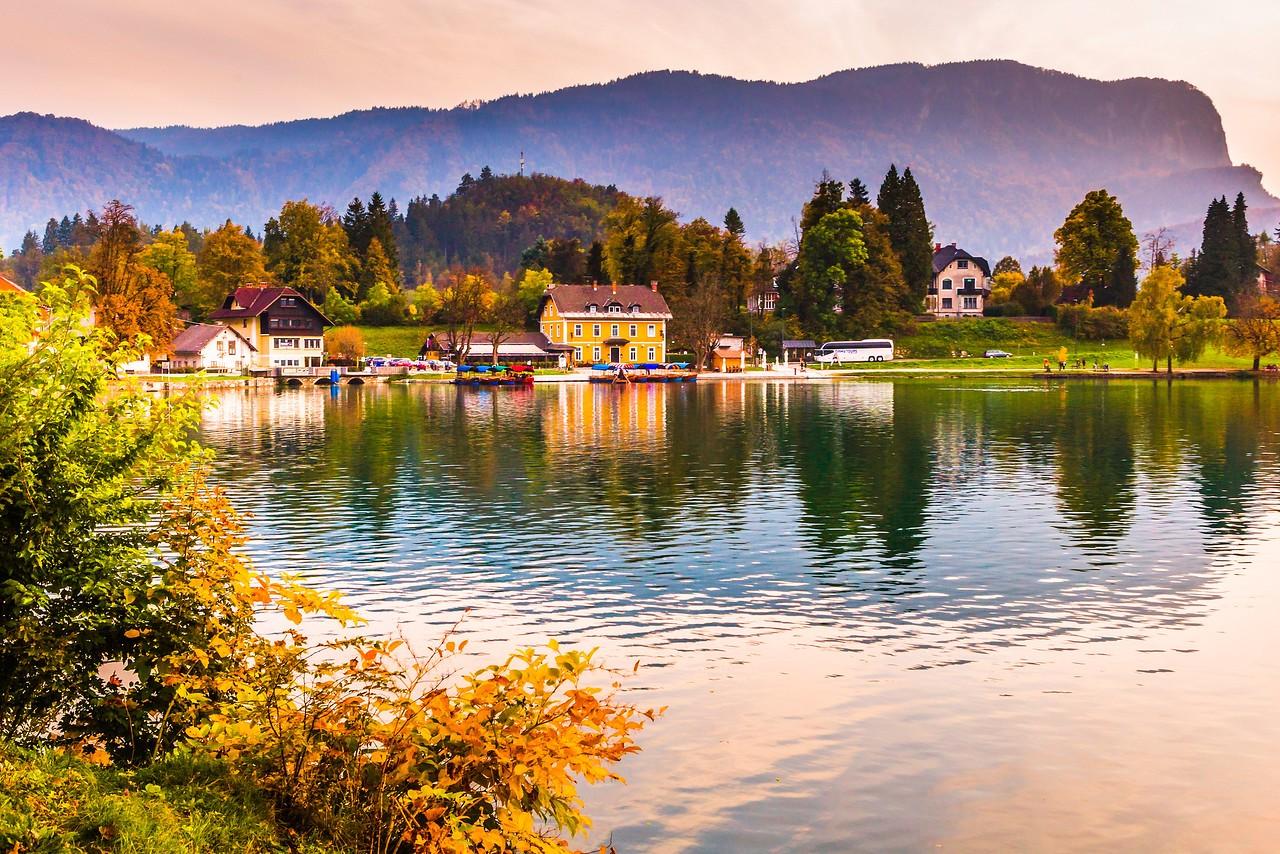 斯洛文尼亚布莱德湖(Lake Bled),湖边看景_图1-17