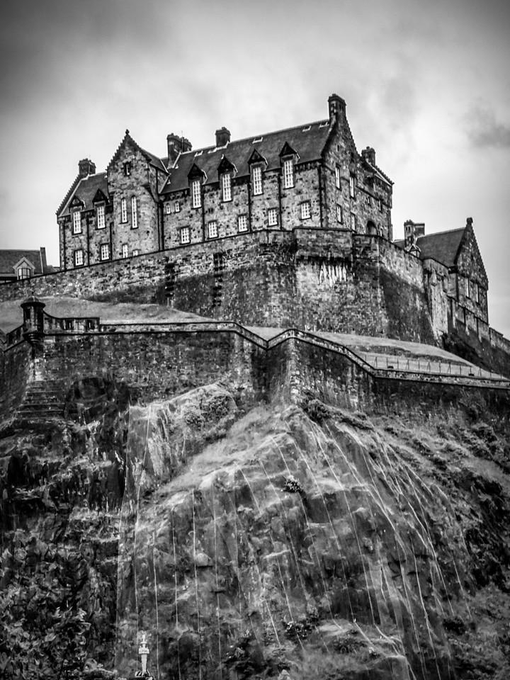 苏格兰爱丁堡城堡(Edinburgh Castle),城市制高点_图1-1