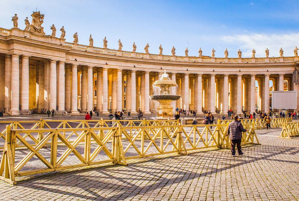 梵蒂冈圣伯多禄广场(St. Peter's Square),闻名天下_图1-5