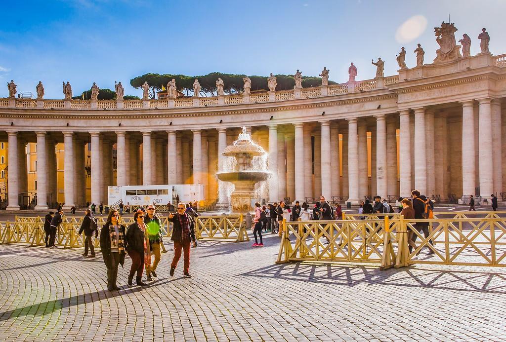 梵蒂冈圣伯多禄广场(St. Peter's Square),闻名天下_图1-6